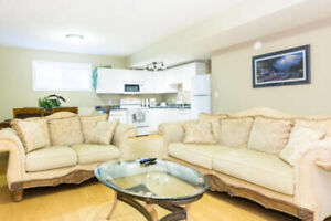 New 3BR Ravine Suite Near West Edmonton Mall, Hospitals, U Of A