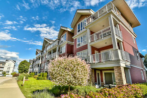 Waterstone 2 bed 2 bath 2 parking condo for sale