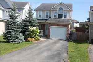 Single Family House at Laurelwood School zone (available Sep 15)