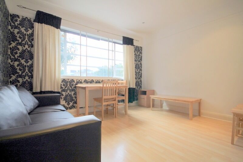 Superb Location Between Islington/Newington Green, 2 Double Bedrooms, Dishwasher Included