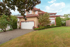 $1200000 [VIRTUAL TOUR] Wonderfully Updated 5BR 3034ft2 Home