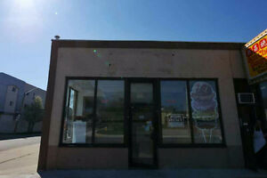 305 Wyandotte ST W   store  for rent
