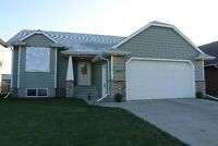 Immaculate Bungalow in Lucas Heights