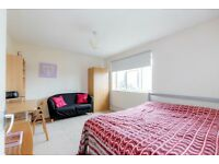 1 bedroom in Cobham Close, Bromley, Kent, BR2