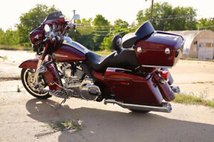 Harley Docking System and Quick Release Tour Pack with Backrest