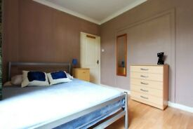 ***** ASAP LOVELY DOUBLE ROOM IN WHITE CITY - SINGLE USE *****