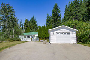Tappen - Private Mobile Home on 8.8 Acres