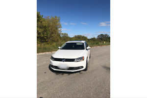 2014 Volkswagen Jetta White Fully Loaded - Beautiful Condition!