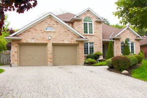 SPACIOUS 2 STOREY HOME IN PRESTIGIOUS GLENRIDGE AREA!!!!