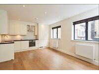 Luxurious Modern 2 Bedroom Flat Available E8 !