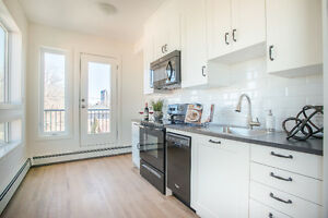 LAST SPACIOUS ONE BEDROOM AVAILABLE - ONE MONTH FREE RENT!!!