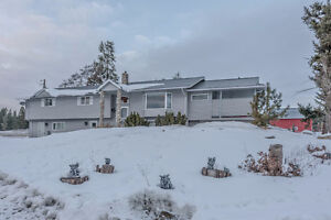 2202 Rashdale Road, Armstrong - Quiet country road