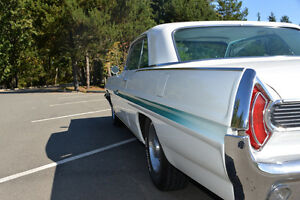 1962 Pontiac Grand Prix      ** CAR SHOW READY ** Campbell River Comox Valley Area image 9