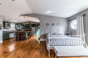 Luxury Unit in the Historic Battery - Jan to Apr