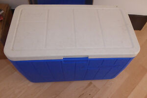 Large Coleman cooler box, very good, clean condition