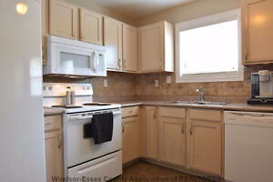 Beautiful detached home for rent in South Windsor Windsor Region Ontario image 4