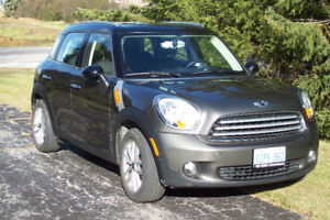 2011 LOW MILEAGE Mini Cooper S Countryman $11,000