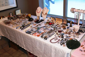 GS MASSIVE AMOUNT OF JEWELRY  VINTAGE PIPES BARBER SHOP ITEMS
