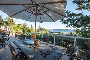 Build Your Ocean-View Dream Home Or Enjoy This Updated Home! Downtown-West End Greater Vancouver Area image 9