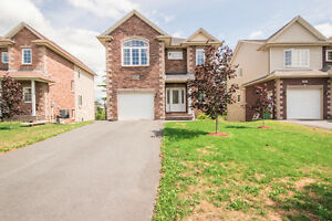 Nice House in Larry Uteck Available for Rent or Purchase!