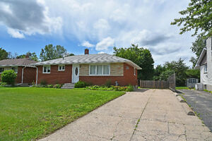 WELL MAINTAINED BUNGALOW IN CENTRAL LOCATION ID# 1066419