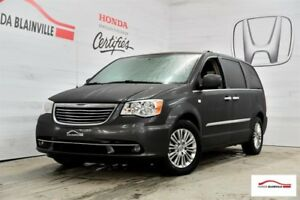 2014 Chrysler Town - Country TOURING