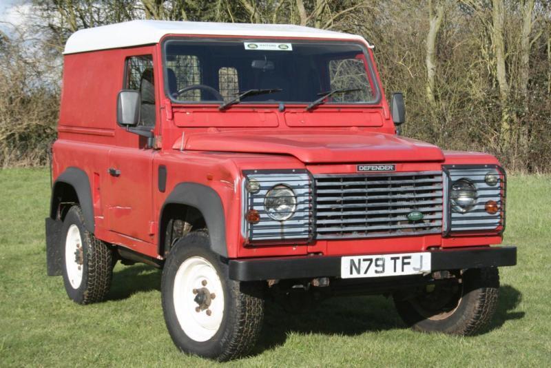Land Rover Defender 90 300 Tdi In Aylesbury