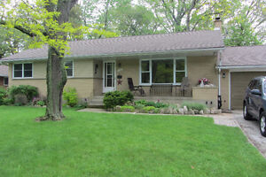 House for sale in Sarnia - Rutherglen Close $390,000.00