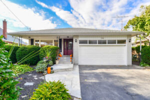 Beautiful 4 Bedroom Home For Rent In Lakeview Mississauga!