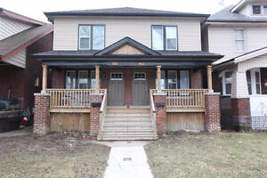 Gorgeous executive duplex now available for May 1st!!!