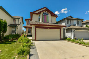 Spacious Open Concept Home in Ellerslie with Bonus Room!!