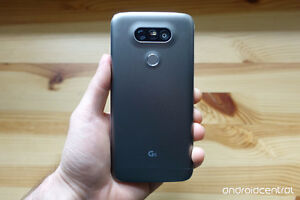 Trade LG G5 32gb for iPhone 6s St. John's Newfoundland image 2