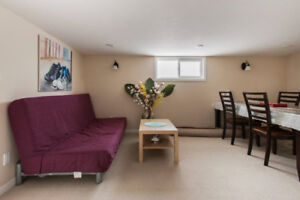 Fully furnished,  5 min to Jane subway, Cozy 2 br apartment