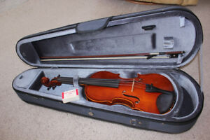 Excellent Full Size 4/4 Yamaha V5 Violin/Fiddle Outfit