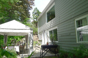 PROPERTY FULL OF CHARM IN HUDSON!  A must see! West Island Greater Montréal image 9