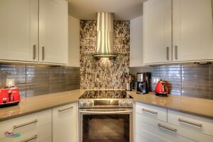 Beautiful 3 bedroom Townhouse Downtown - MUST SEE