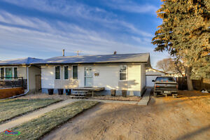 Move-in ready fully renovated 2bed/1bath home w/ a garage! Regina Regina Area image 1