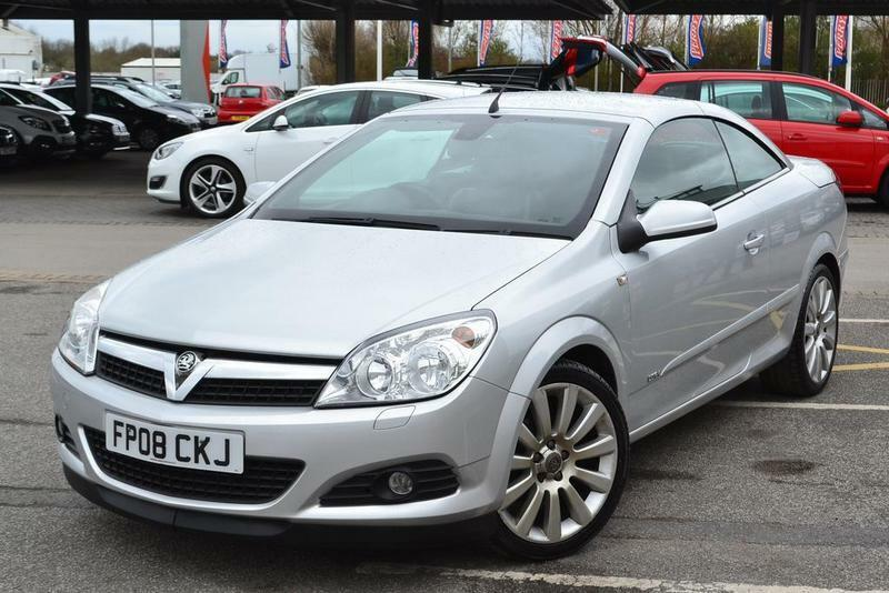 vauxhall astra twintop 1 8 vvt design 2 door silver 2008 in doncaster south yorkshire gumtree. Black Bedroom Furniture Sets. Home Design Ideas