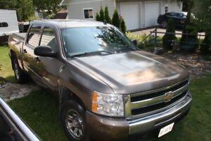 2011 Chevrolet Silverado 1500 4   door Pickup Truck  Certifed