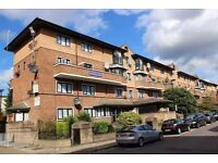N1 HOXTON/ESSEX ROAD SPACIOUS 3 DOUBLE BEDROOM SPLIT LEVEL FLAT WITH GARDEN CLOSE OLD ST AND HOXTON