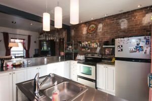 Uptown Brick House on 2 levels - 3 bedrooms   3rd floor loft