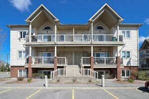 2bed condo in Barrhaven! Fantastic for 1st time buyers!