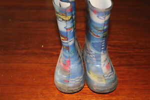 Toddler size 8 rain boots