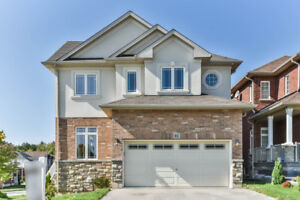 Beautiful 2 Storey Detached Home in West Hamilton for Rent