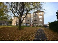 Well presented two double bedroom top floor property in Saugthon Mains area of Edinburgh.