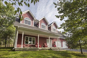 Absolutely Gorgeous Home! Only 25 Minutes to Kingston!