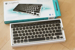 Logitech K811 BT Keyboard PC/Mac/iPad/AppleTV/PS4/XBOX