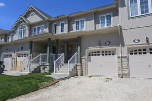 2 Years New!  Move In Ready Townhouse Shelburne, Ontario Home