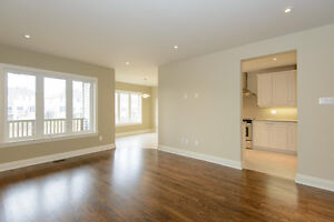 Executive End Unit Townhouse for Rent in Kanata Near Stittsville