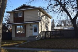1569 sq.ft. Home for Sale in Mayfair Area, with Double Garage!
